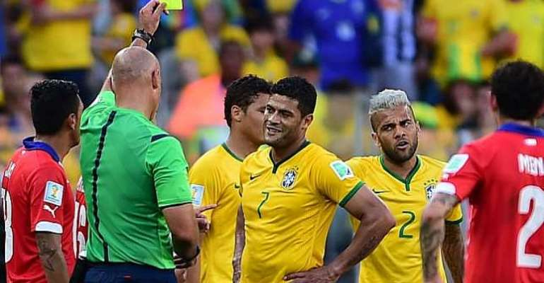 Referee issues: Brazil coach Luiz Felipe Scolari slams referee despite win over Chile