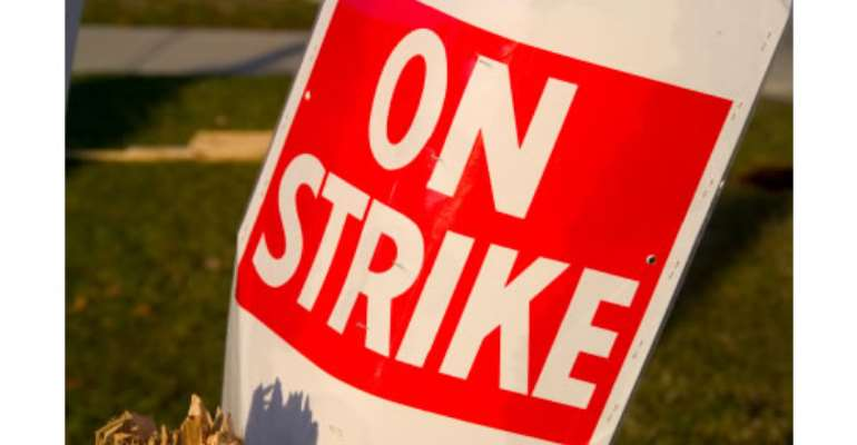 Striking polytechnic teachers to lose pay