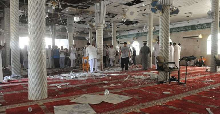 Shiite Mosques Bombed in Saudi Arabia and Yemen While Ground and Air War Escalates