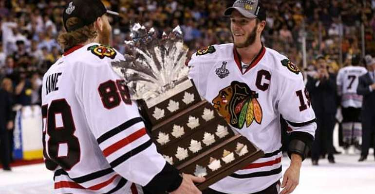 Jonathan Toews, Patrick Kane agree to eight-year extensions