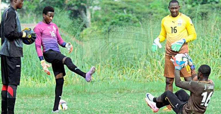 Hearts goalie Soulama calls for support for under fire Mutawakilu