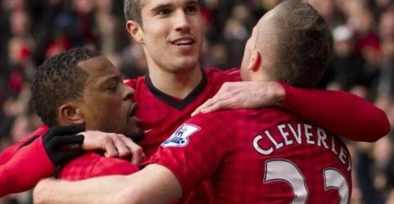 Robin van Persie scored as Man United beat Arsenal 1-0 at Old Trafford