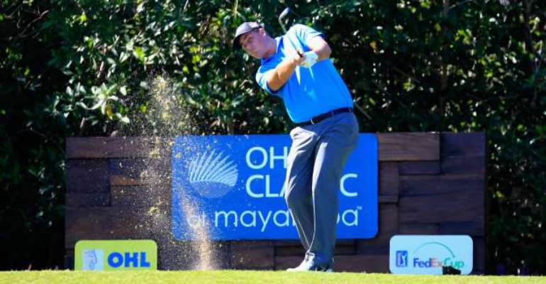 Michael Putnam edges clear in Mexico