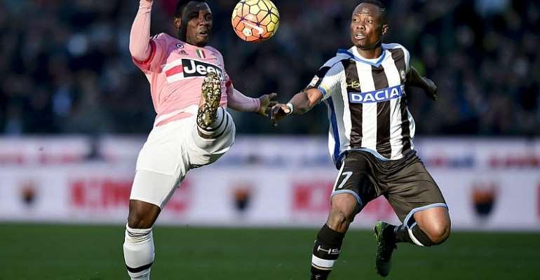 Kwadwo Asamoah battles with Udinese's Kwadwo Asamoah.