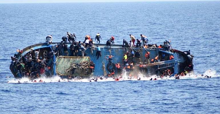 Shipwrecks 'kill up to 700 migrants'