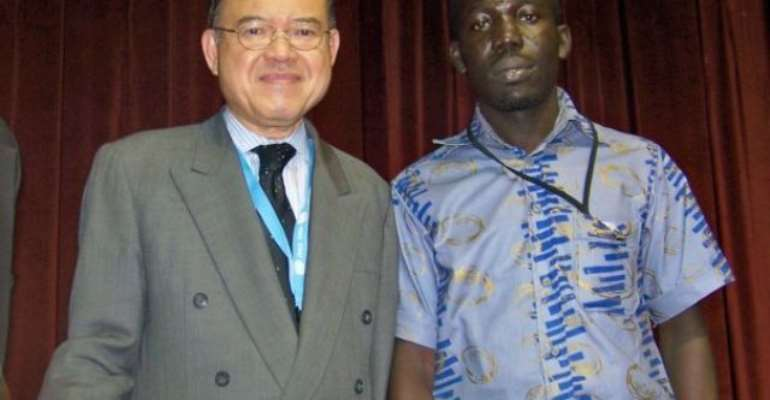 Mr Dwomoh in pose with  UNCTAD Secretary-General H.E Supachai Panitchpakdi