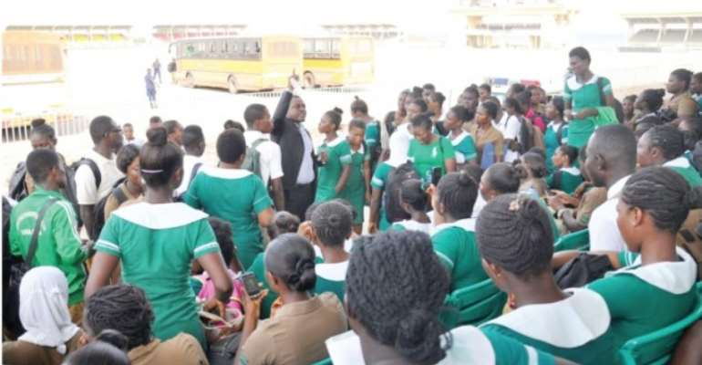 Public nurses won't be bonded to Gov't from 2017