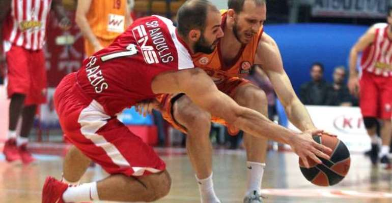 Olympiacos still perfect, Andrew Goudelock impresses