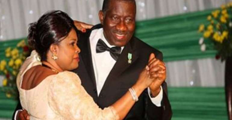 PRESIDENT JONATHAN HIT THE DANCE FLOOR WITH WIFE DAME