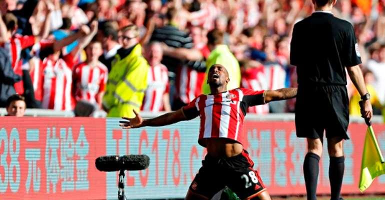 EPL Sunday wrap: Defoe's stunner settles derby, Spurs held by Burnley