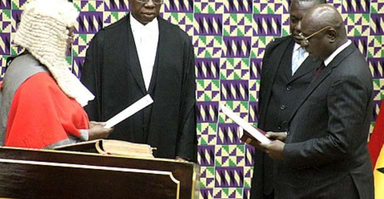 Doe Adjaho sworn in as President