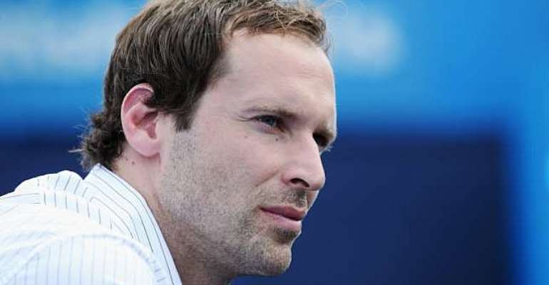 Transfer news: Petr Cech's agent reveals interest from PSG in Chelsea man