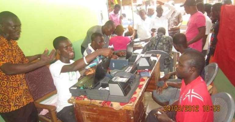 Biometric voter registration gets to slow start in Kumasi
