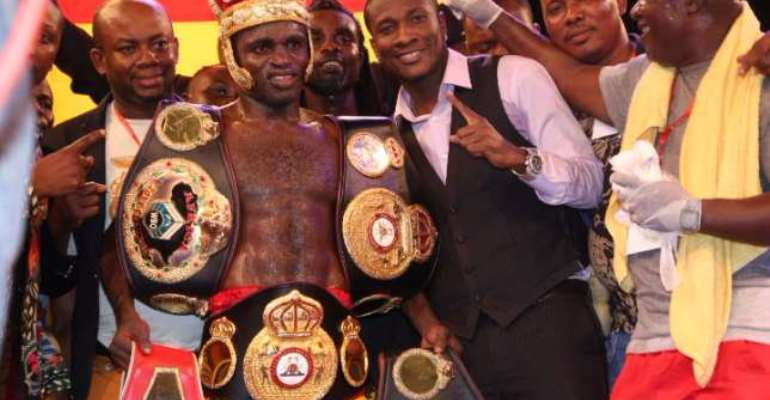Tagoe is new WBA international champ after stopping Reyes in round 4