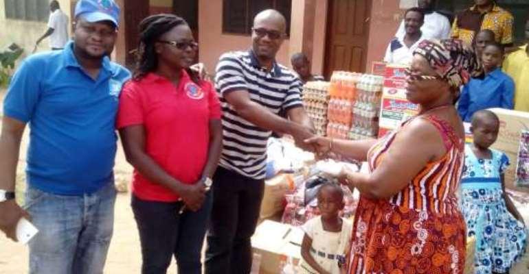 Cuban-trained graduates donate to CILIA Orphanage