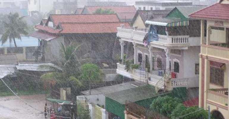 TAMALE CENTRAL MP VISITS RAINSTORM VICTIMS