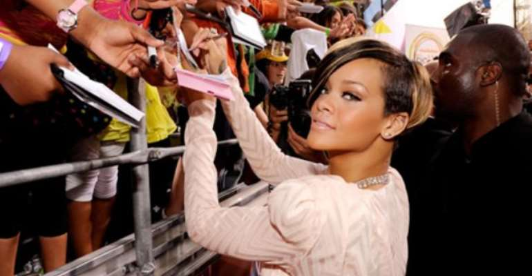 Foreign: Rihanna Steps up Security