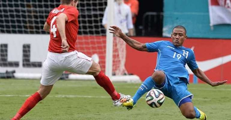 Steven Gerrard aggrieved by Honduras' physicality