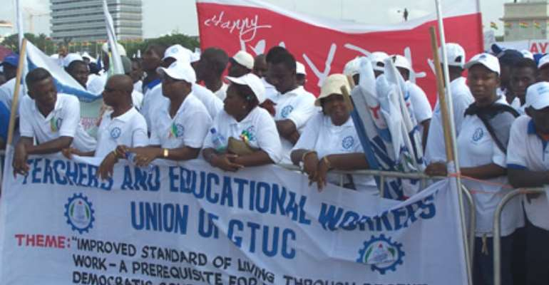 Fair Wages and Salaries Commission meets POTAG reps