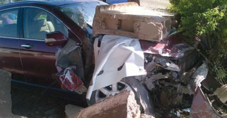 ACTRESS CHIKA IKE INVOLVED IN AN AUTO ACCIDENT