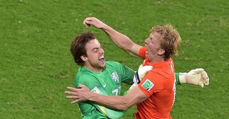 Netherlands' Dirk Kuyt hails Louis van Gaal for Tim Krul substitution