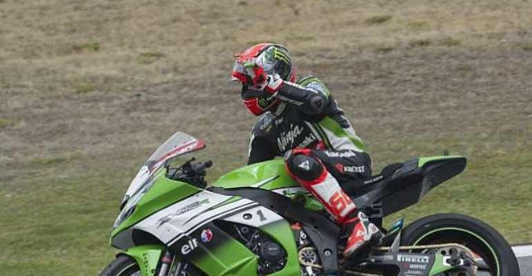 Tom Sykes claims chaotic win at Laguna Seca