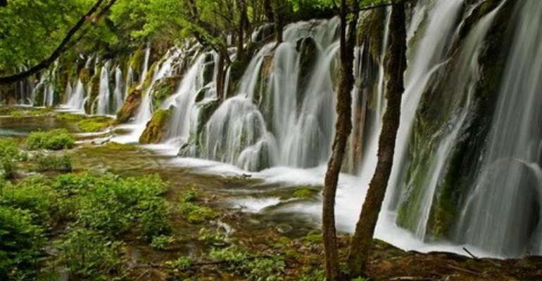 High in the mountains of China's Sichuan province, the Jiuzhaigou National Park is a lush greenbelt renowned for its emerald- and sapphire-tinted waters.