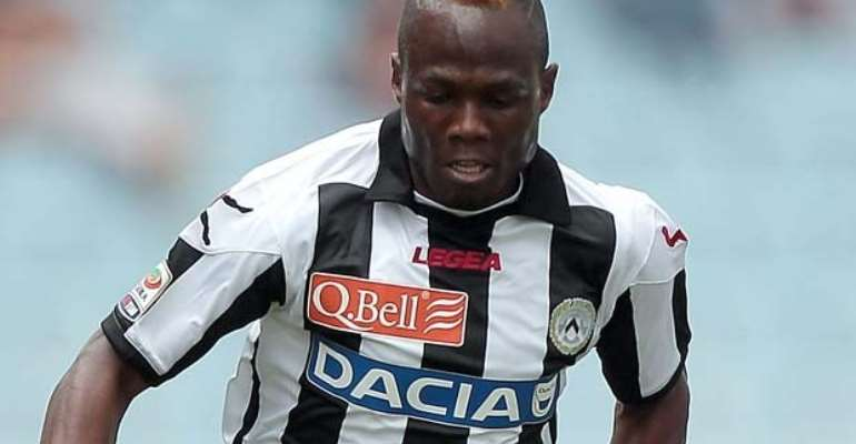 WATCH VIDEO: Agyemang-Badu flashed red card from bench