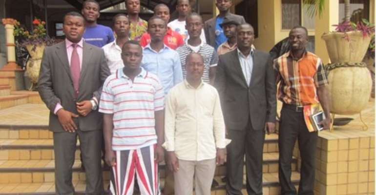 Participants and facilitators in a group photograph after the training ptogramme.