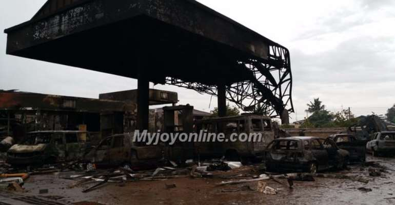 Report: Almost 100 lives lost in fire at Goil filling station at Circle