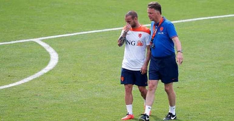 Wesley Sneijder hails Louis van Gaal's 5-3-2 system
