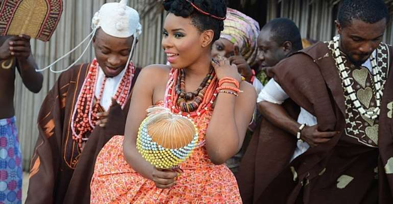 YEMI ALADE STUNS ON SET OF NEW MUSIC VIDEOS AHEAD OF DEBUT ALBUM