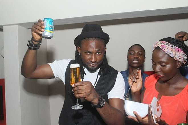 UTI NWACHUKWU, TOKE MAKINWA BRING THEIR A GAME AS FAYROUZ BARTENDERS ON VALENTINES!