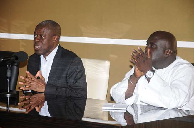 Veep Interacts  with Market Leaders at Flagstaff House