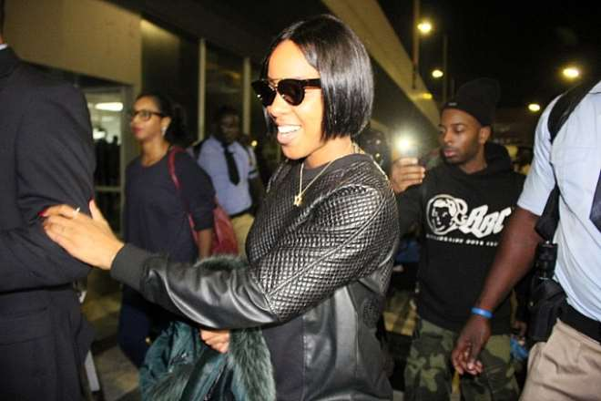 Kelly Rowland Arrives In Lagos, Nigeria With Fiance, Tim Witherspoon!