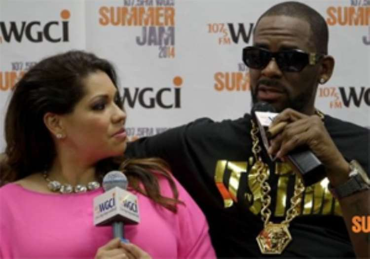 <b>R.Kelly being interviewed by a host of WCGI</b>