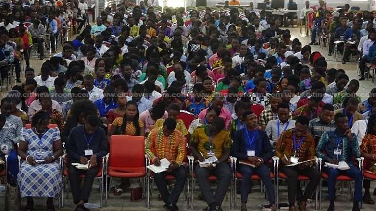 14202033604-l5gsj8v331-govt-to-launch-online-scholarship-scheme-in-march-6