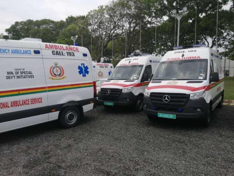 16202070608-wbreuigtto-parked-ambulances.jpeg