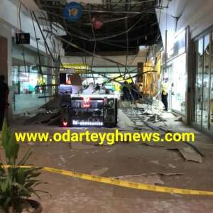 BREAKING: Part of Accra Mall Ceiling Collapses  – VIDEO