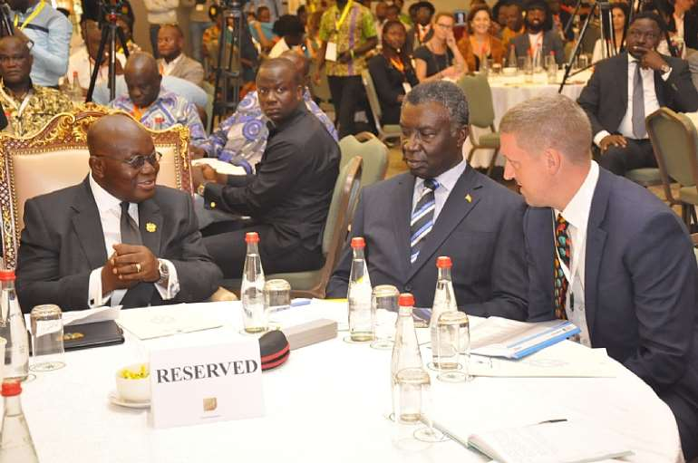 101201963603-osjum8x432-president-akufo-addo-with-uk-high-commissioner-to-ghana-and-prof-kwabena-frimpong-boateng