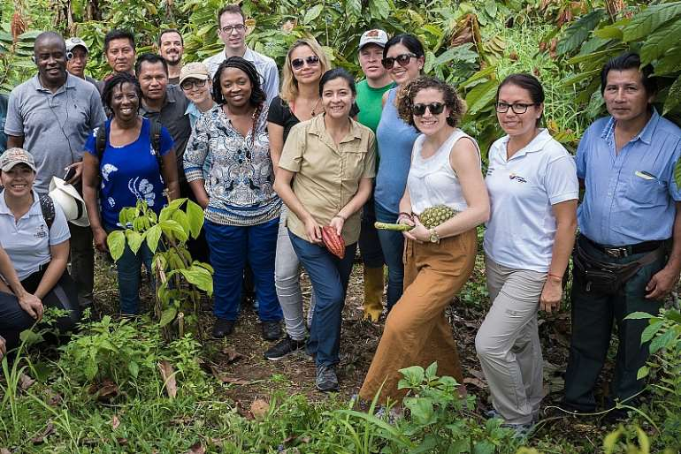 10172018110928 vaqdthfssn pix 2 the ghana delegation on the fied visit in the amazon forest