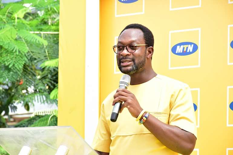 1030201972834-qulxoba443-ceo-of-mtn-ghana-mr-selorm-adadevoh-delivering-a-speech-at-mtn-bright-scholarship-awards-ceremony