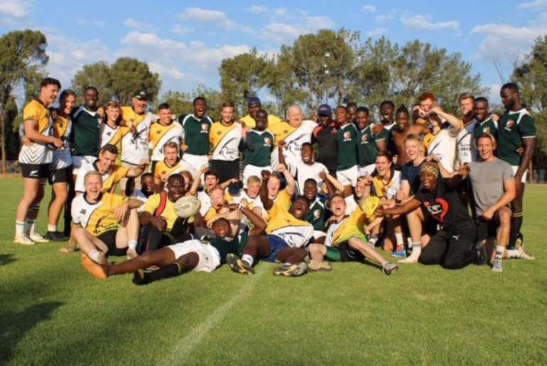 1113201943124-m6htk8w331-m7spr1-the-ghana-eagles-with-the-oryx-sevens-team-at-toutrek-park-in-pretoria-after-playing-three-warm-up-matches-against-them.jpeg