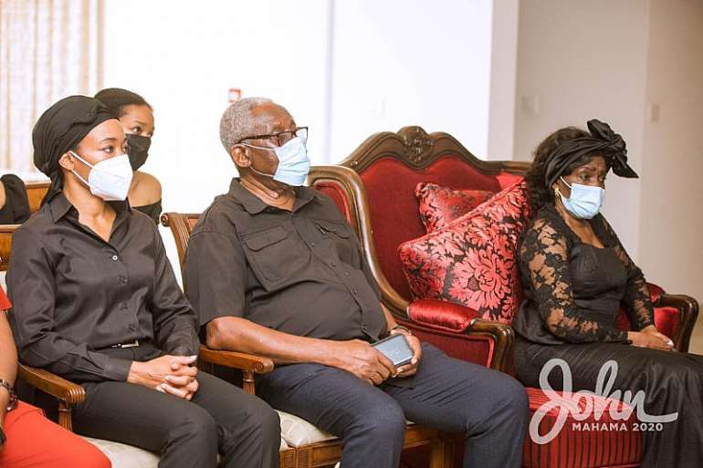 1113202073612-m6htl8w331-john-mahama-calls-on-late-rawlings-family-13.jpeg