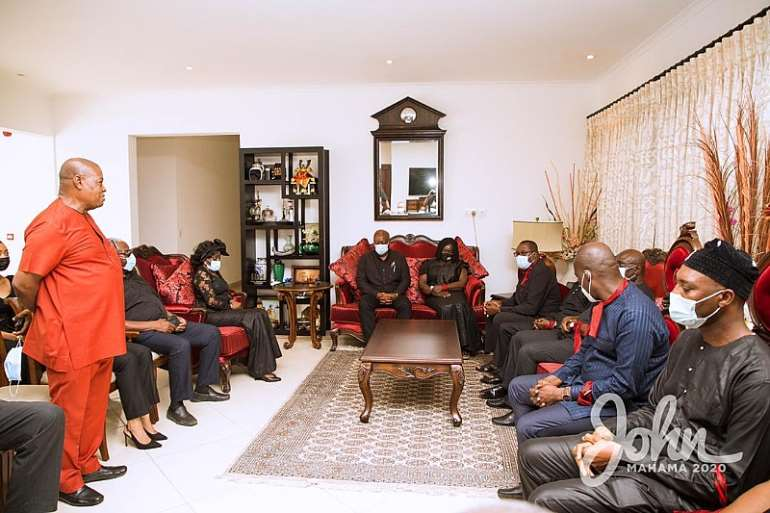 1113202073612-vaqdtgfssn-john-mahama-calls-on-late-rawlings-family-6.jpeg