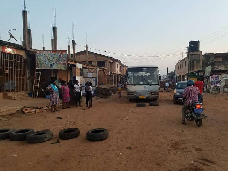 11182019110606-ptkwn0a442-ashaiman-road-protests-3