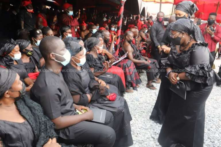 1128202040604-i41p266ffa-akufo-addo-bawumia-join-mourners-at-funeral-of-late-mfansteman-mp7