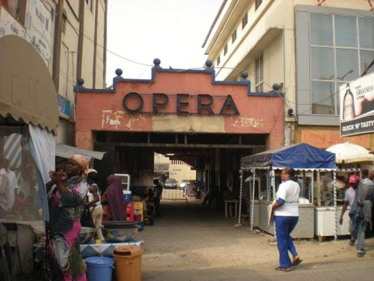 114201933603-h41o2s6fey-opera-square