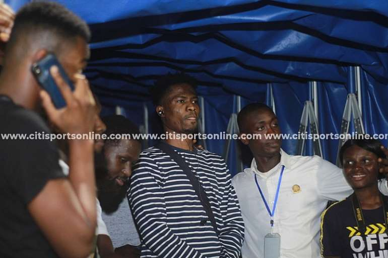 116202092935-ptkwn0a442-kwesi-arthur-performing-at-accra-sports-stadium-legon-cities-16