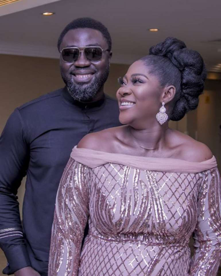 120202040637-txobrfeq5l-mercy-johnson-and-hubby-smile